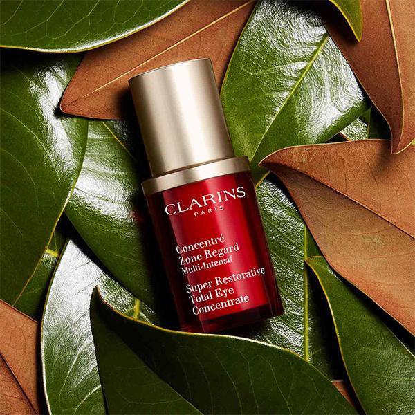 Clarins Super Restorative koncentrat za predeo oko očiju 15ml